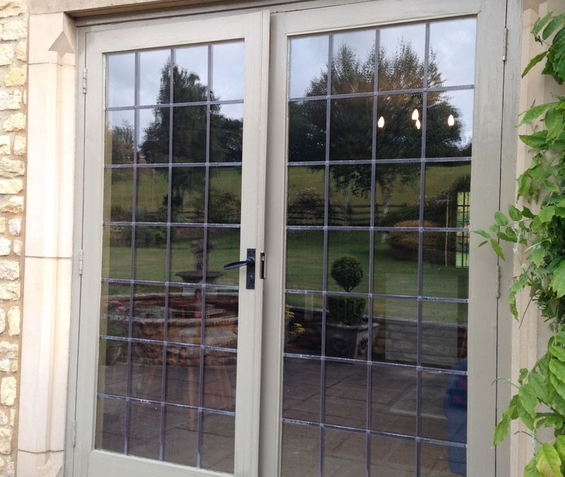 Fitting Aluminium Framed Doors