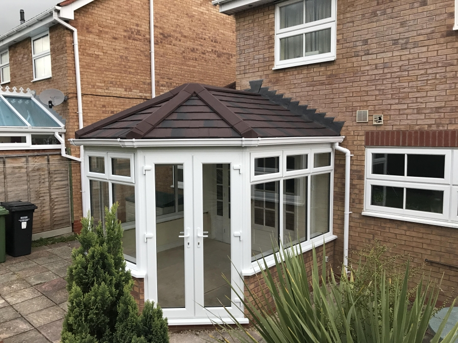 New Guardian Roof installed by Evesham Glass