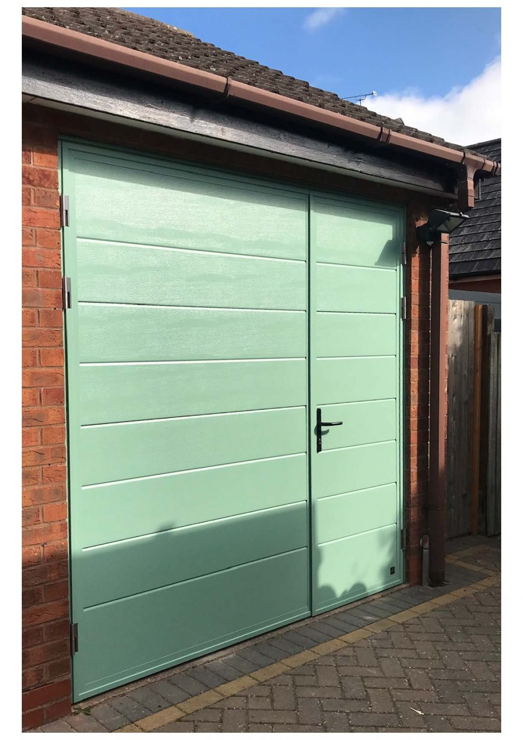 Ryterna Side-Hinged Garage Door